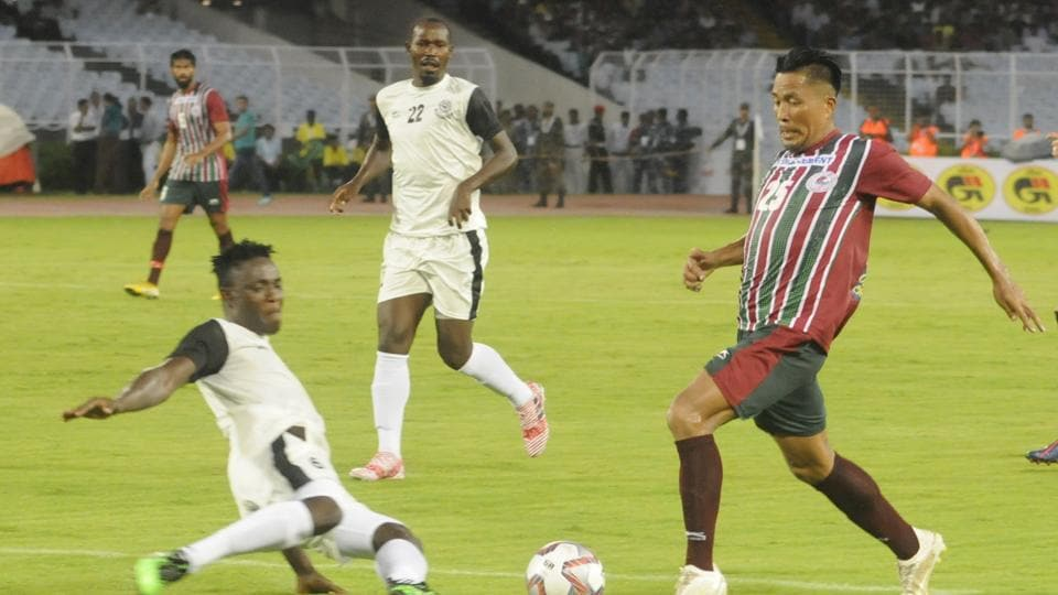 Captain Dhanachandra Singh (25) of Mohun Bagan in action against Mohammedan Sporting Club during the 129th Durand Cup.
