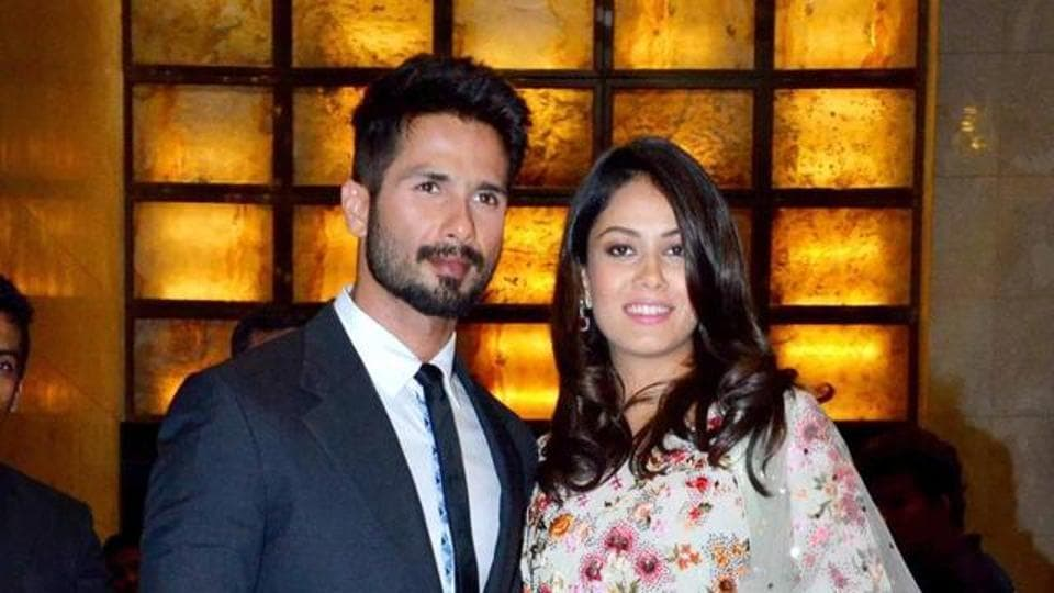 Shahid Kapoor and Mira Rajput pose for the shutterbugs.