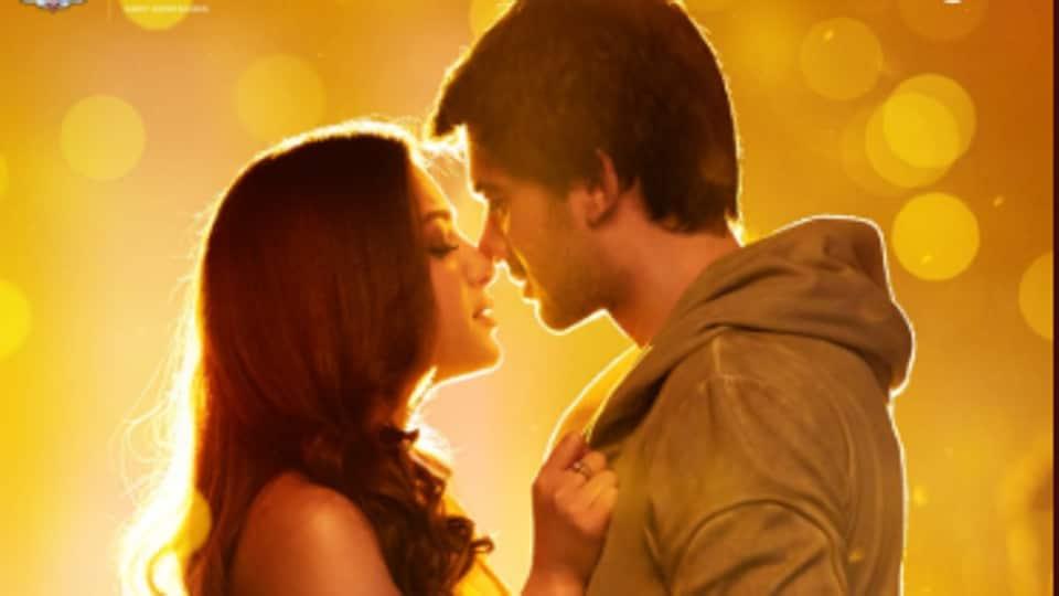 Pal Pal Dil Ke Paas title song features Karan Deol and Sahher Bambaa.