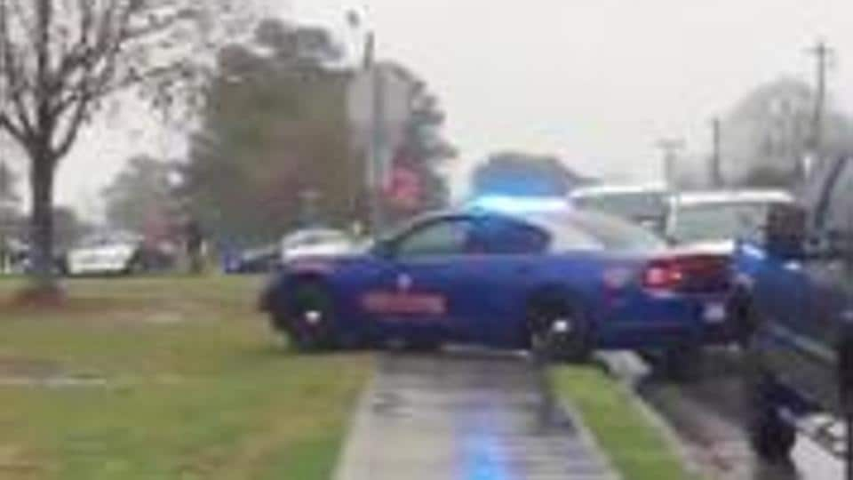 Man steals police cruiser in OH, crashes into vehicles