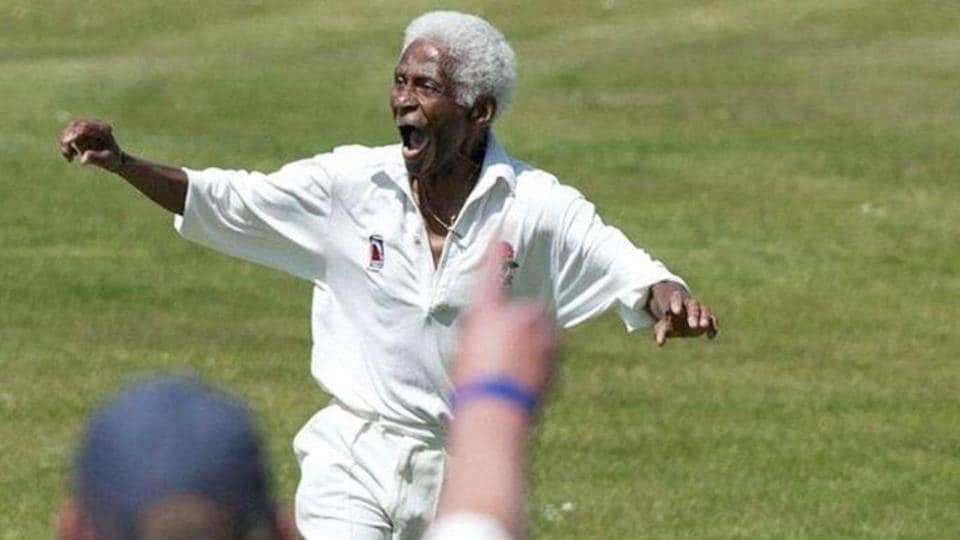 Jamaica fast bowler Cecil Wright has announced his retirement at the age of 85