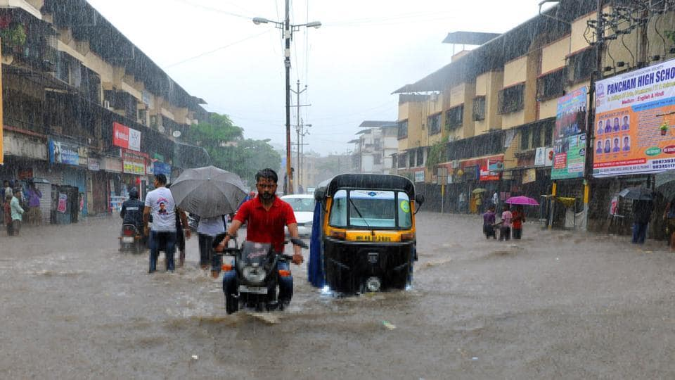 Taking roads maintained by local bodies in urban and rural areas into account, the PWD estimated that the total length of roads damaged by monsoon in Maharashtra was more than 36,900 km.