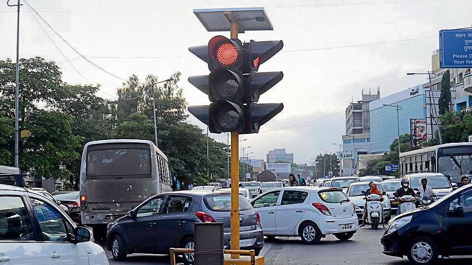 The incident took place at Turner Junction traffic signal, next to Sadhu Vaswani garden on SV Road. Image used for representational purpose only.