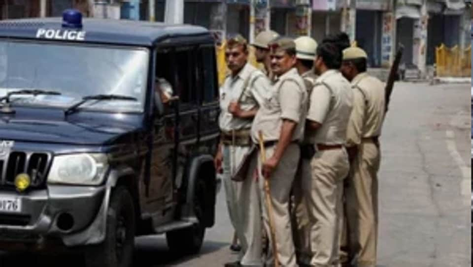 In another incident on Wednesday, a health department team was attacked in Fatehpur. Members were detained for hours on suspicion of being child lifters.