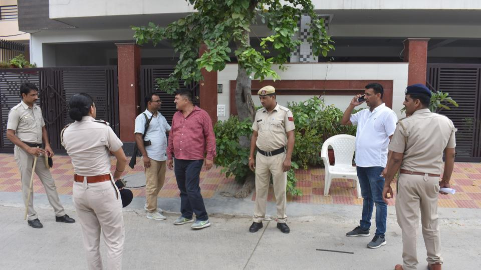 A couple attempted self immolation outside the Sureer Kotwali police station in Mathura, Uttar Pradesh.