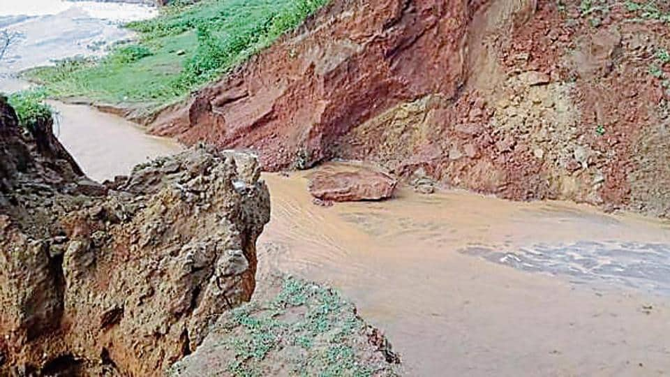Over 50 metres of the canal bank was washed away due to heavy pressure, after water was released in the canal after the inauguration.