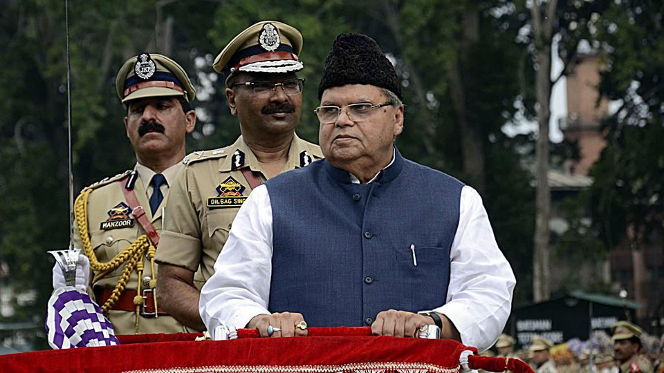 Jammu and Kashmir Governor Satya Pal Malik inspects the guard of honor during the 73rd Independence Day celebration in Srinagar .