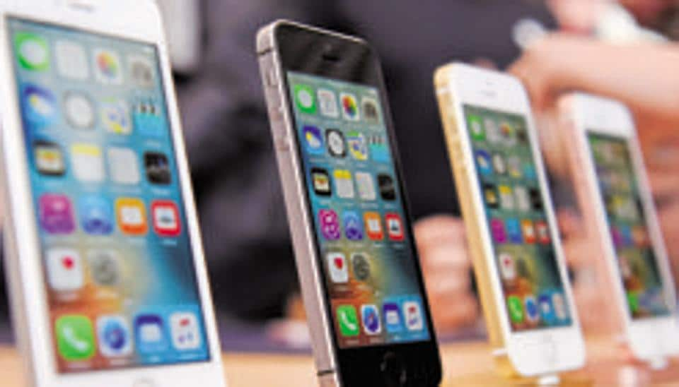 Malicious websites put iPhones users at hacking risk: Google