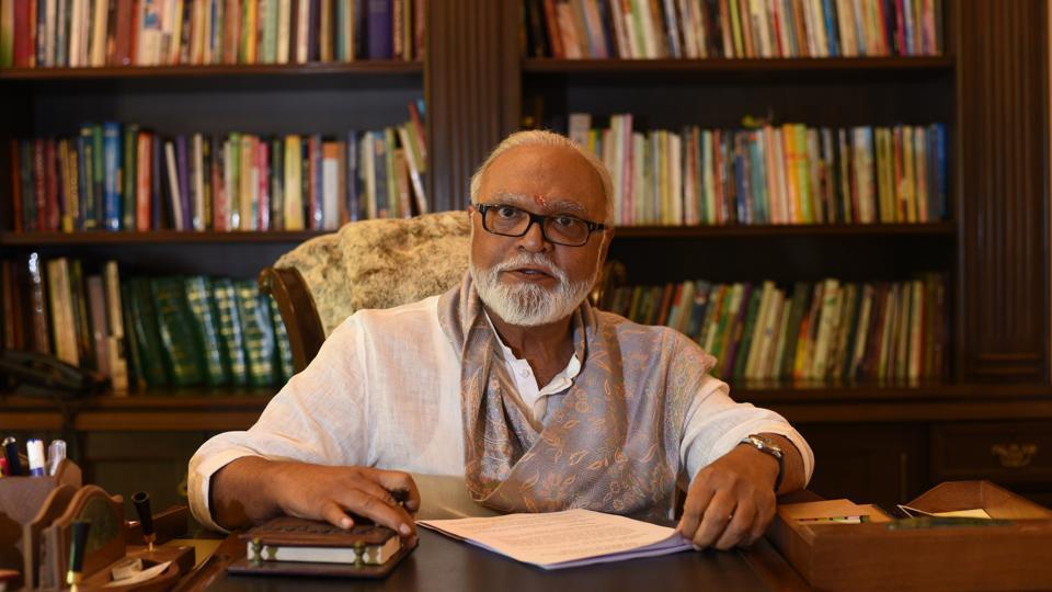 Bhujbal who began as an ordinary Sena worker, rose up to the rank of corporator, Mumbai mayor and legislator.