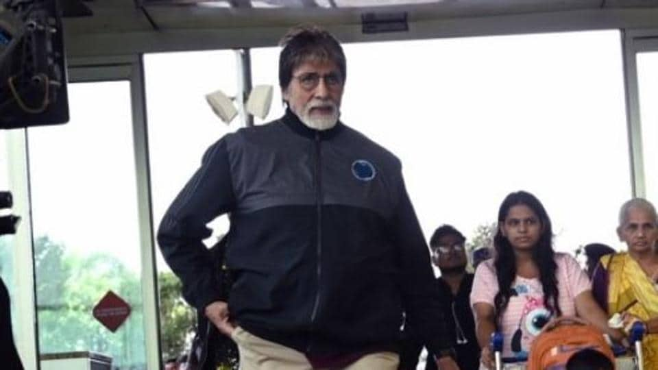 Amitabh Bachchan spotted Mumbai airport, on his way for Jhund's last shoot.