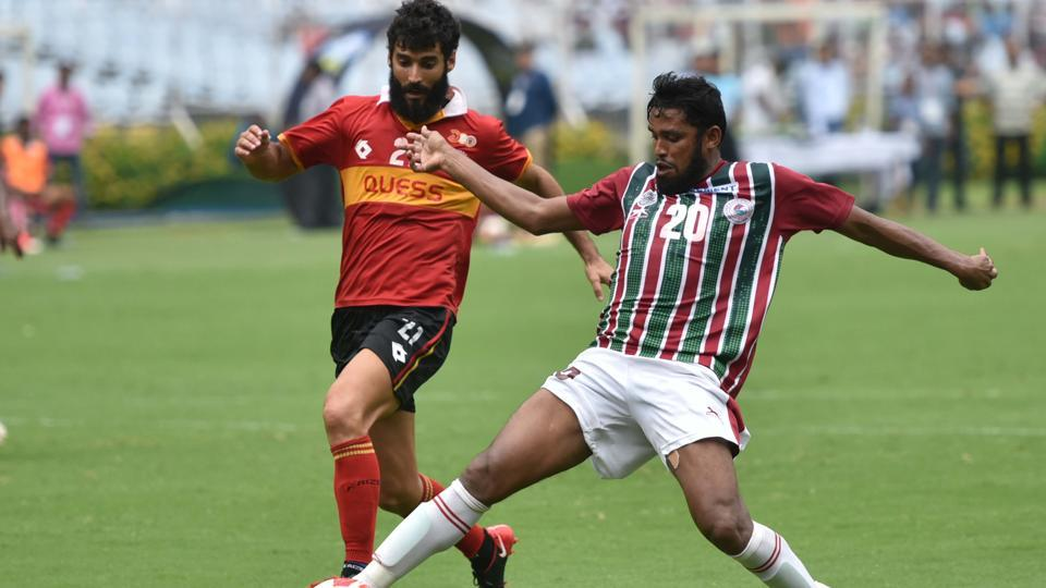 Suhair VP (20) of Mohun Bagan and Marti Crepsi (21) of East Bengal in action.