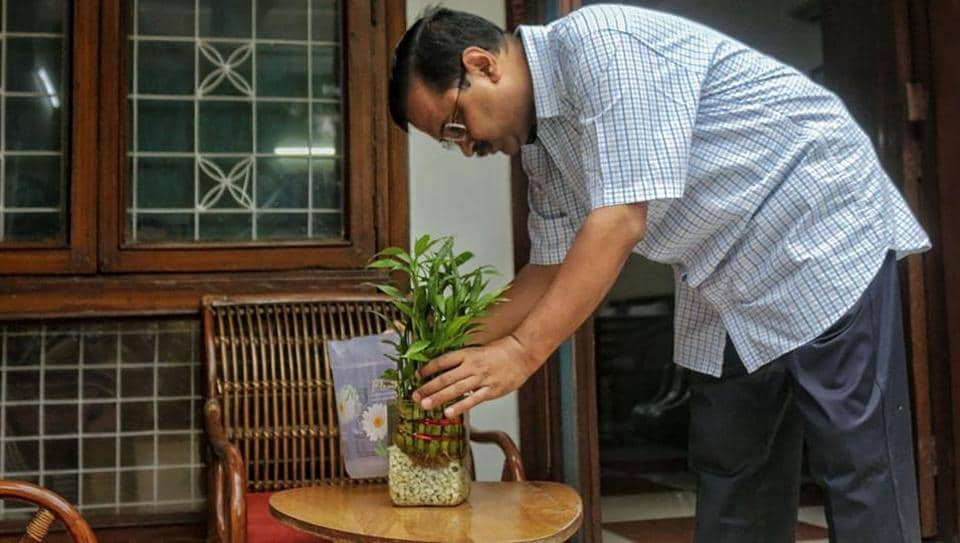 Chief Minister Arvind Kejriwal inspects his home for stagnant water to prevent the spread of mosquito-borne diseases during the launch of a special campaign against dengue, in New Delhi, Sunday.