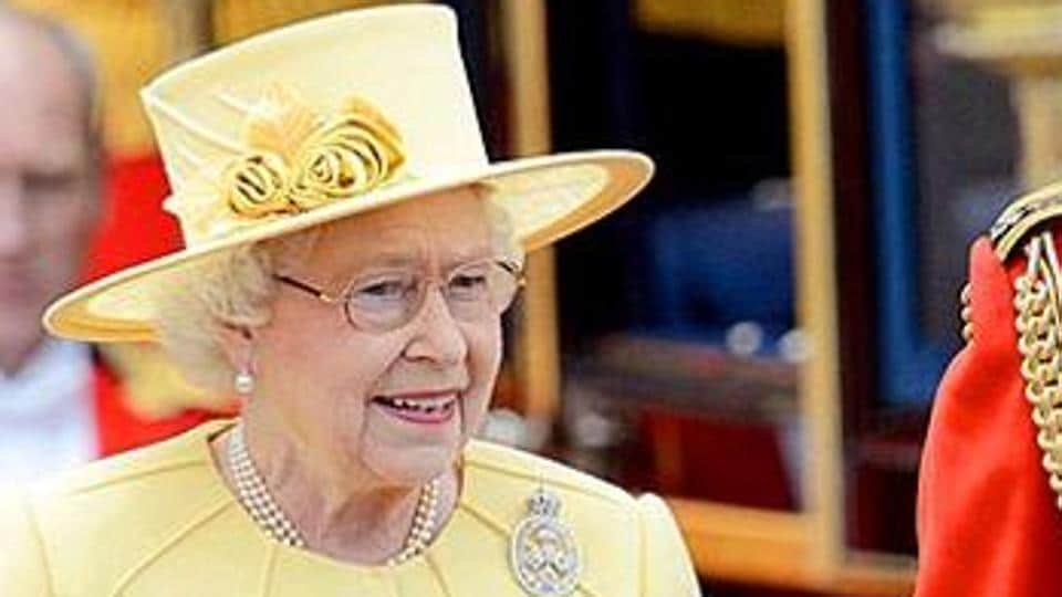The tourists started a conversation with her, asking if she lived nearby -- and whether she'd ever met the Queen.