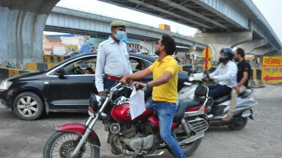 Gurugram Police issued Dinesh Madan a challan on Monday, near the district court in Gurugram, for not carrying the documents including his driving licence, registration certificate of the motorcycle and the pollution certificate.