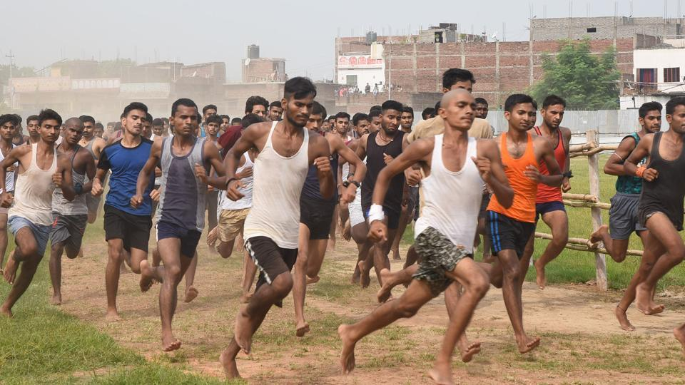 Candidates during physical fitness test at an army recruitment rally at Danapur in Patna. Bihar India on Monday day Sep.02,2019.(Photo Santosh Kumar / Hindustan Times)