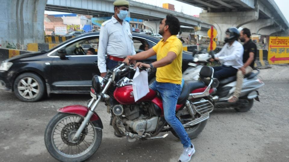The first day when the amended Motor Vehicles Act came into force, over 3,900 fines were issued.