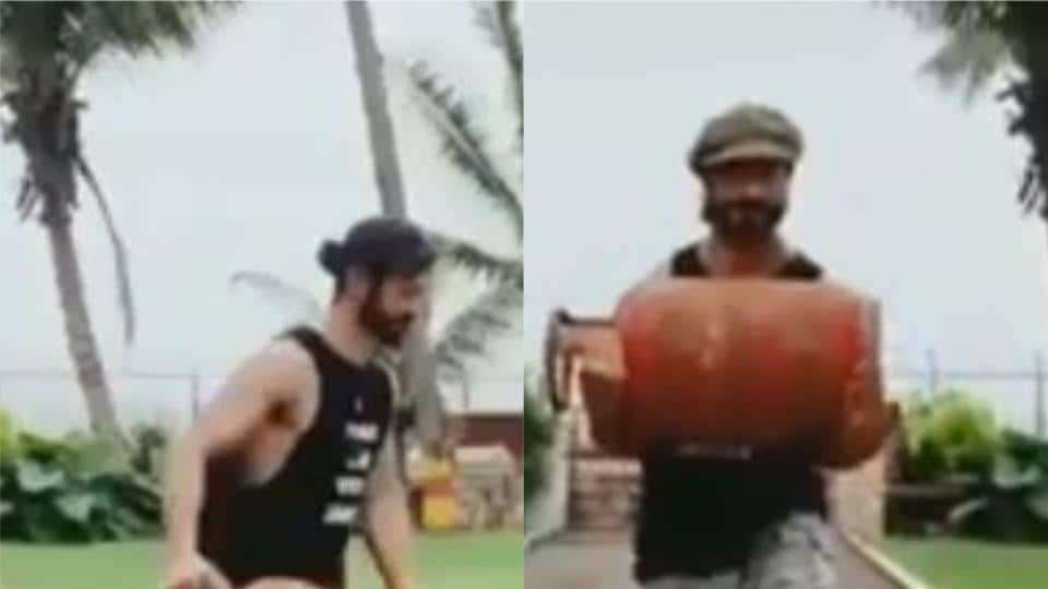 Vidyut Jammwal works out with a full gas cylinder.
