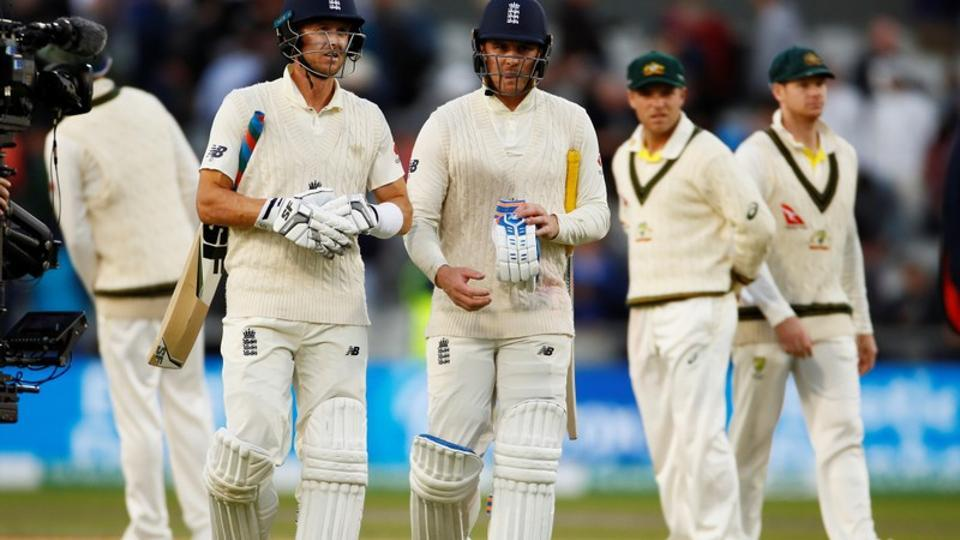 Jason Roy and Joe Denly leave the pitch at stumps