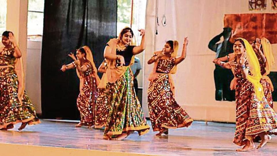 Bharatnatyam, Kathak and Odissi classical dances were performed.