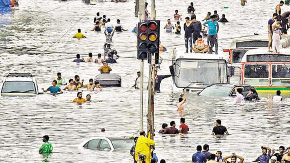 The Brihanmumbai Municipal Corporation (BMC) decided on Sunday to award a compensation of ₹1 lakh each to the families of its two employees who died on duty in two separate incidents in Goregaon during the floods on September 4.