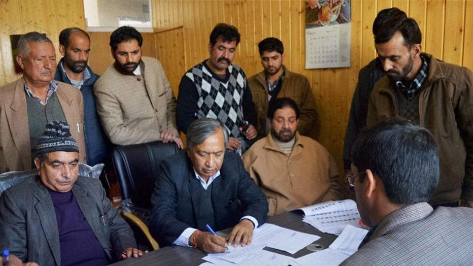 CPI(M) leader Yousuf Tarigami was shifted to All India Institute of Medical Sciences (AIIMS) in New Delhi from Srinagar on Monday.