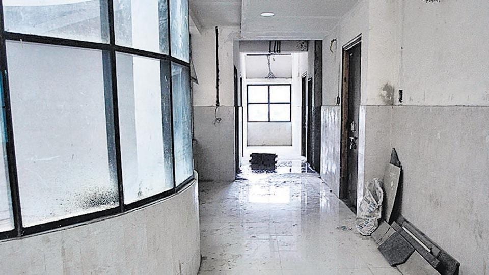 The Balasaheb Thackeray Hospital near Mitra Mandal in Pune has been lying in a state of neglect.