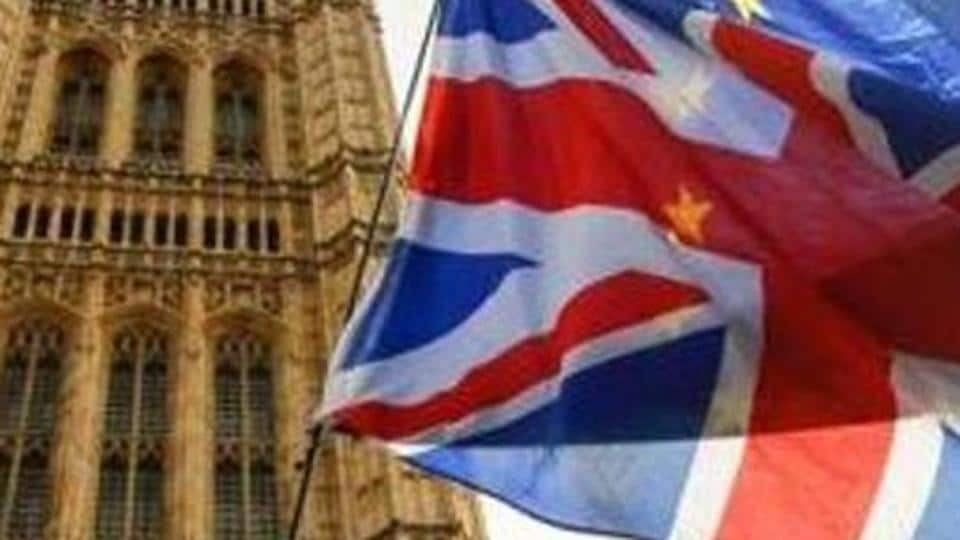 The British government will invest more than 500 million pounds in green technologies.