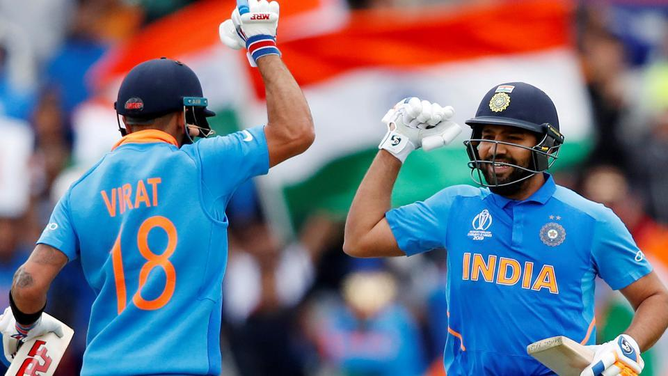 India captain Virat Kohli (L) and vice-captain Rohit Sharma (R)