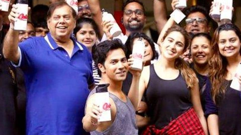 Varun Dhawan, along with dad David Dhawan and co-star Sara Ali Khan lead as they ban  single-use plastic on sets of their film Coolie No 1.