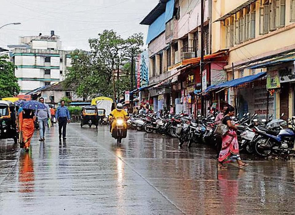 Gokhale Road, SV Road, LBS Road, New Link Road and Maharshi Karve Road were listed as no-parking zones on September 1, but the BMC is not taking strict action against offenders owing to the festive season.
