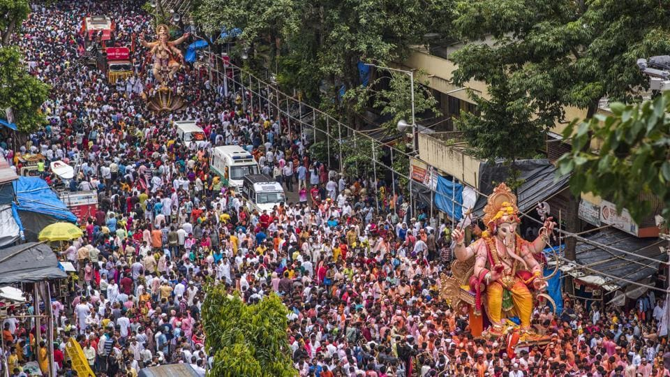 Today on the occasion of 'Anant Chaturdashi,' devotees bid farewell to Lord Ganesha. The Lalbaughcha Raja procession, passing Lalbaugh here, attracts perhaps the largest number of devotees, celebrating the deity's journey to the Arabian Sea in Mumbai. (Pratik Chorge / HT Photo)