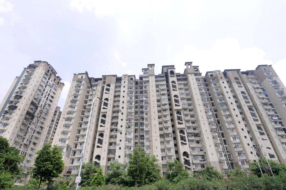 A bench, headed by Justice Arun Mishra, asked the NBCC, the forensic auditors and court-appointed receiver to work out the modus operandi and feasibility of how to sell and dispose of the 5,229 unsold flats which will fetch an amount of Rs 2,337 crore.