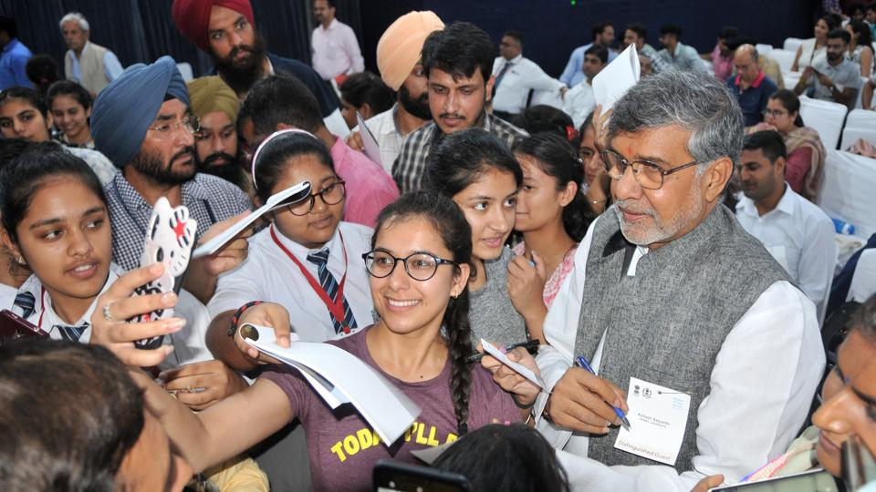 Nobel Laureate Kailash Satyarthi interacting with students at 'Nobel Prizes Series 2019' at National Agri Food Biotechnology Institute, Sector 81 in Mohali on Wednesday.