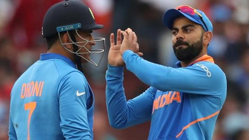 Kohli's tweet triggers speculations on Dhoni's retirement