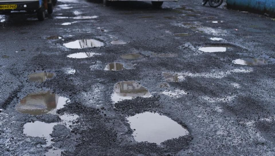 After the Nationalist Congress Party (NCP), the Maharashtra Navnirman Sena (MNS) and Samajwadi Party, too, have started online campaigns against potholes in the city.