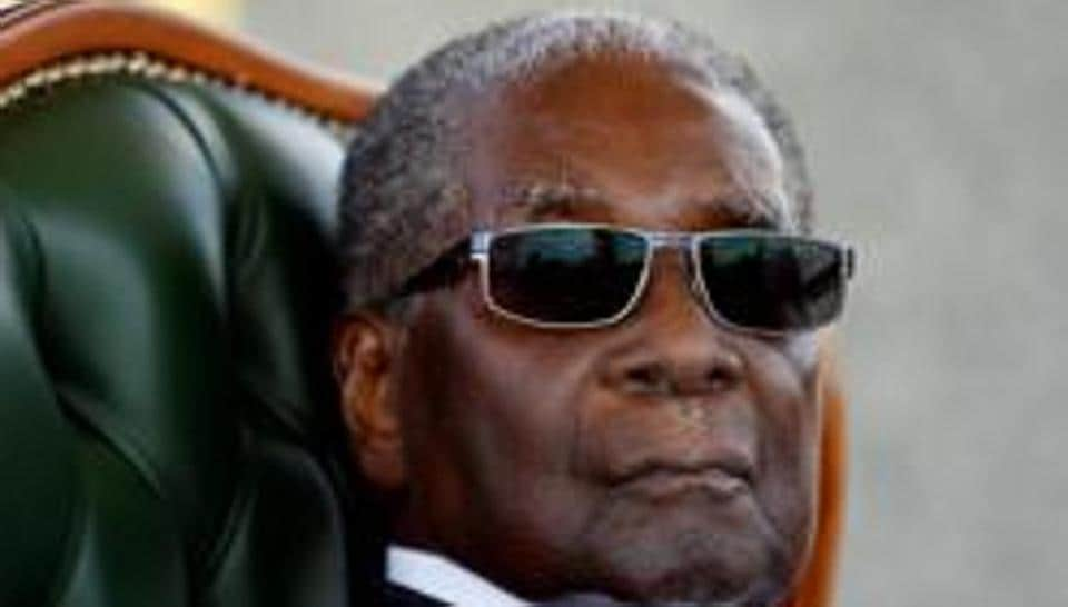 Former Zimbabwe leader Robert Mugabe's family agreed to bury him at national heroes monument.