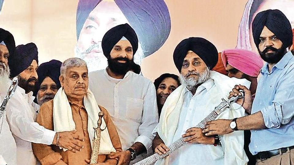 Shiromani Akali Dal president Sukhbir Singh Badal with others at  a rally at Chappar Mela, Jagraon, Punjab, Septemer 13, 2019.