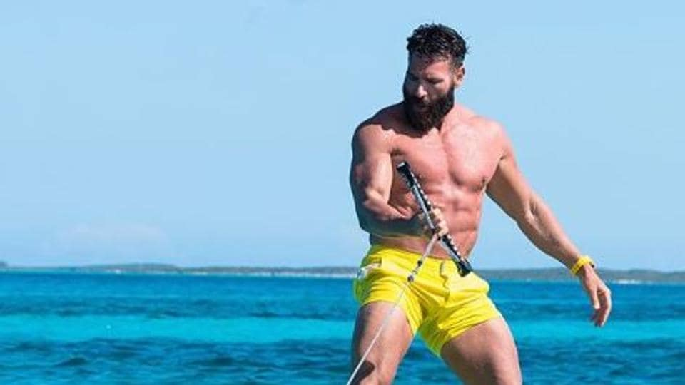 Dan Bilzerian enjoys an extravagant lifestyle, something which is there for everyone to see on his flashy Instagram page.