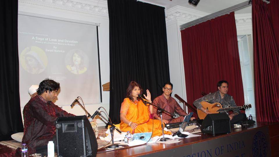 The concert, titled 'A Saga of Love & Poetry', dwelt on several classic examples of poetry, from Meera to Amir Khusro, performed to a packed audience by Natekar, daughter of the renowned scholar of Hindustani classical music, Sushila Pohankar (Kirana gharana).