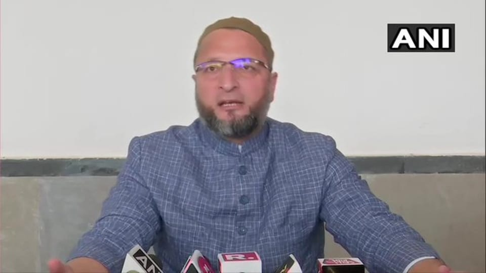 All India Majlis-e-Ittehad-ul-Muslimeen (AIMIN) leader Asaduddin Owaisi says that the fact a former Chief Minister had to move the Supreme Court to visit Kashmir shows that the situation is not normal.