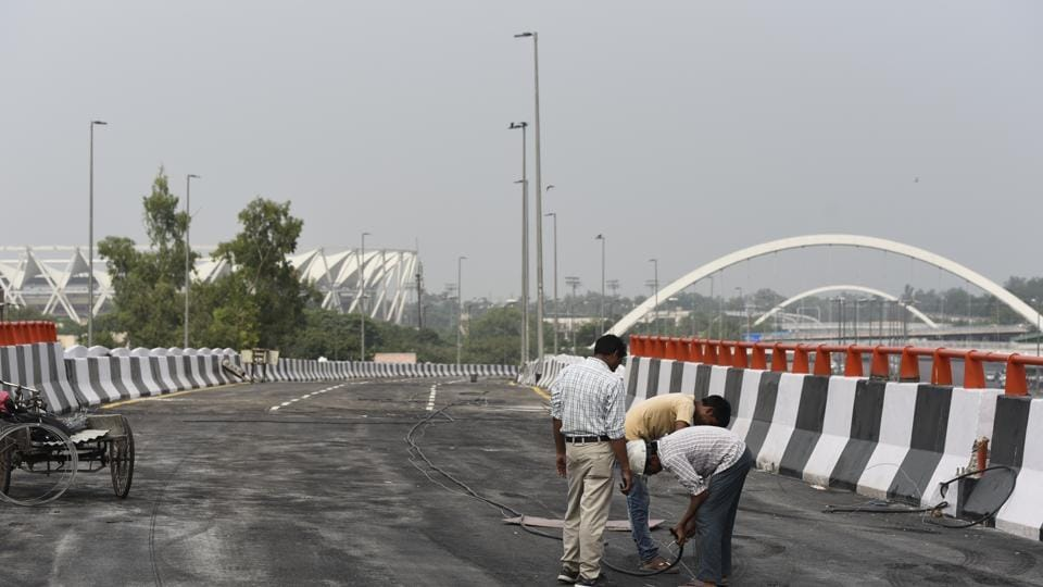 The elevated corridor aims to provide seamless connectivity between Mayur Vihar-I and Sarai Kale Khan, where it will meet the existing Barapullah-I elevated corridor, making the nearly 9.5km journey to AIIMS signal free.
