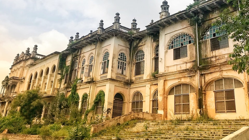 The state high court on Monday struck down its decision to dismantle 150-year old heritage structure Errum Manzil.