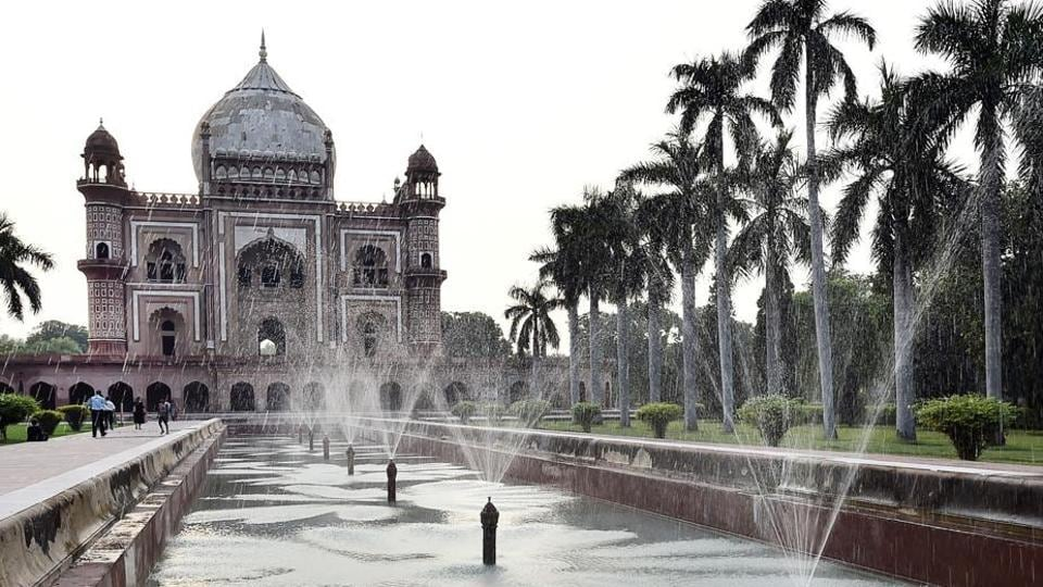 Nine fountains at Mughal-era tomb of Safdarjung spring up to former glory |  Hindustan Times