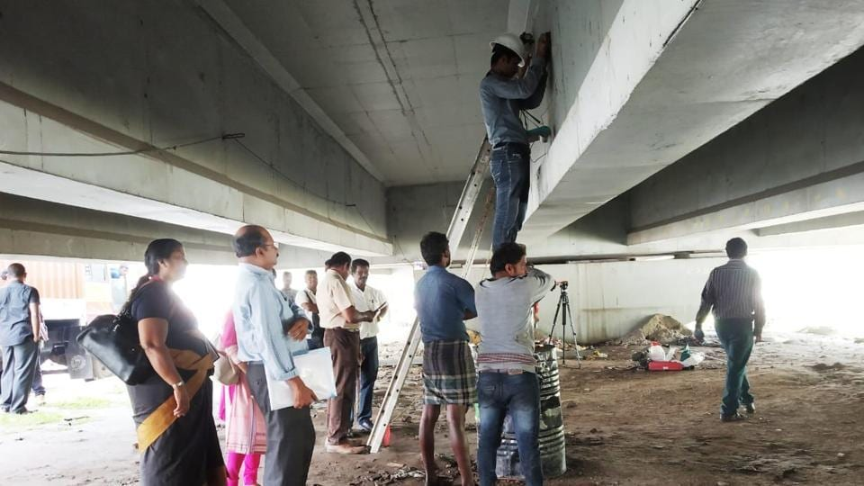 The flyover in Palarivattom will be demolished and a new bridge will be built.