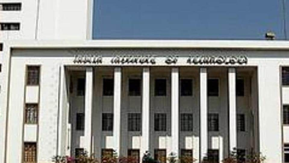 IIT Kharagpur students develop new electric vehicle to reduce vehicular pollution.
