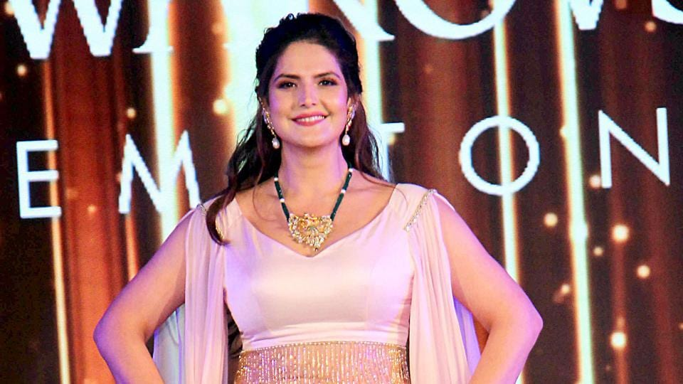 Zareen Khan at All India GJC Fashion Nite in Mumbai.