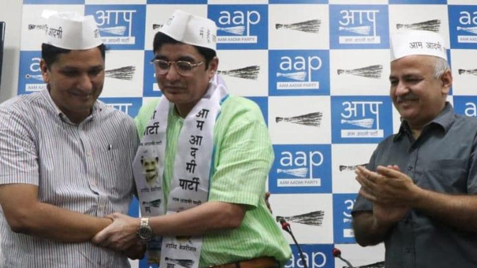 Former MP and Ex President of Jharkhand Congress, Ajoy Kumar joins AAP in presence of Delhi Dy CM  Manish Sisodia.