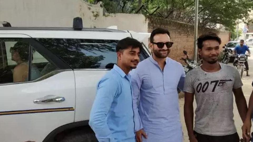 Saif Ali Khan poses with locals in Pataudi.