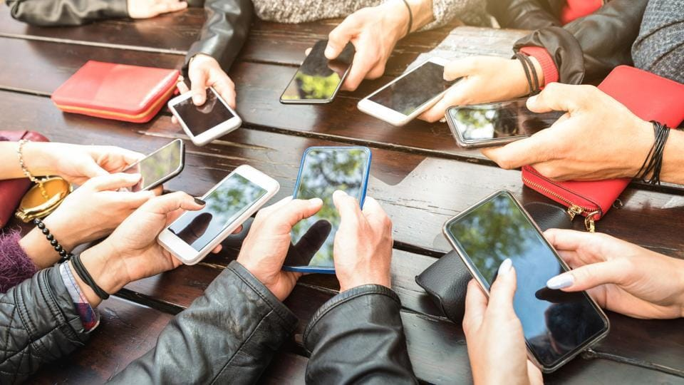 Punjab Cabinet on Thursday approved the implementation of the 'Mobile Phones to the Youth' scheme from December this year. (Representational image)