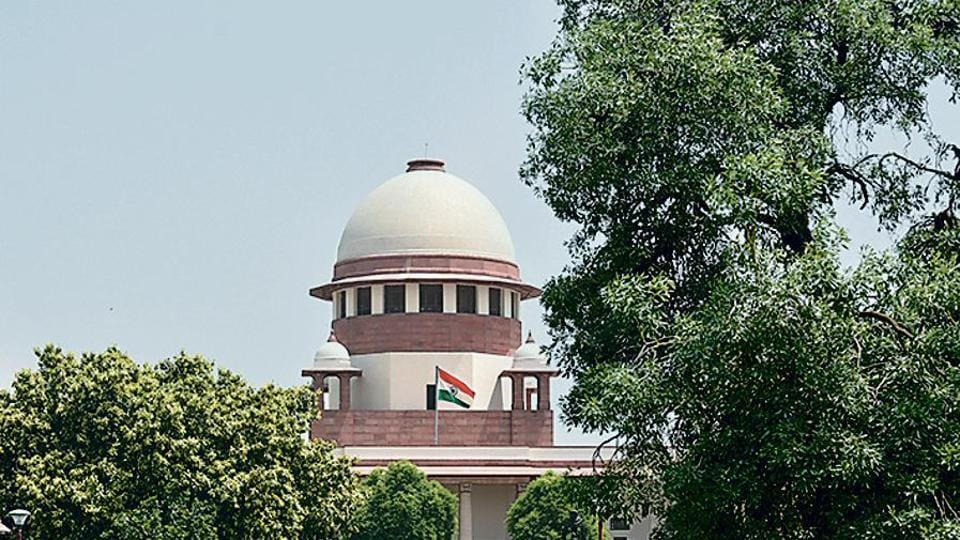 Since 1950, when the Supreme Court of India replaced the Federal Court after independence from British rule, the tradition has been for judges to decide on cases sitting on a two- or more than two-judge benches.